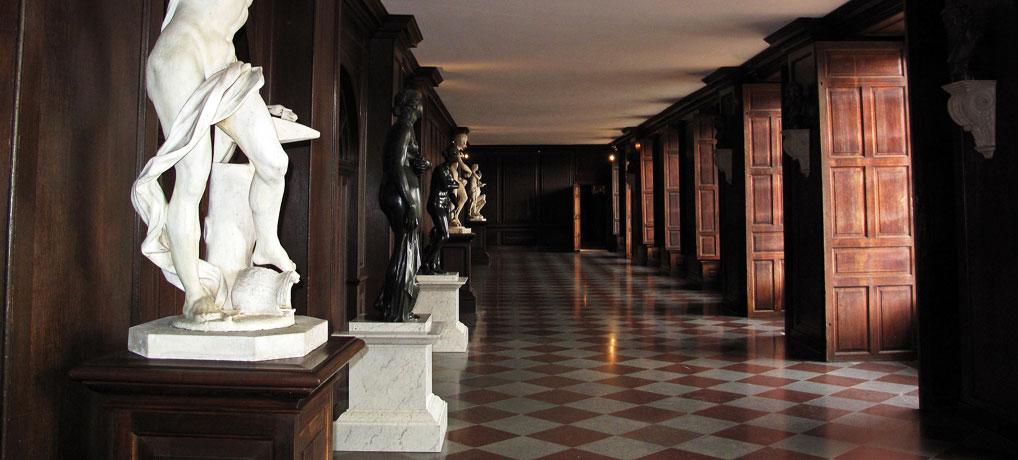 Hampton-Court-interior