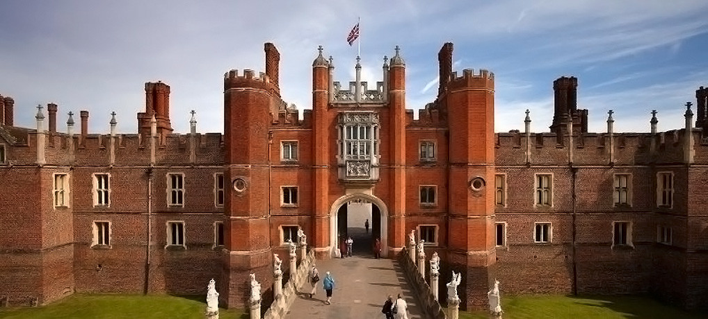 Hampton Court under King Henry VIII